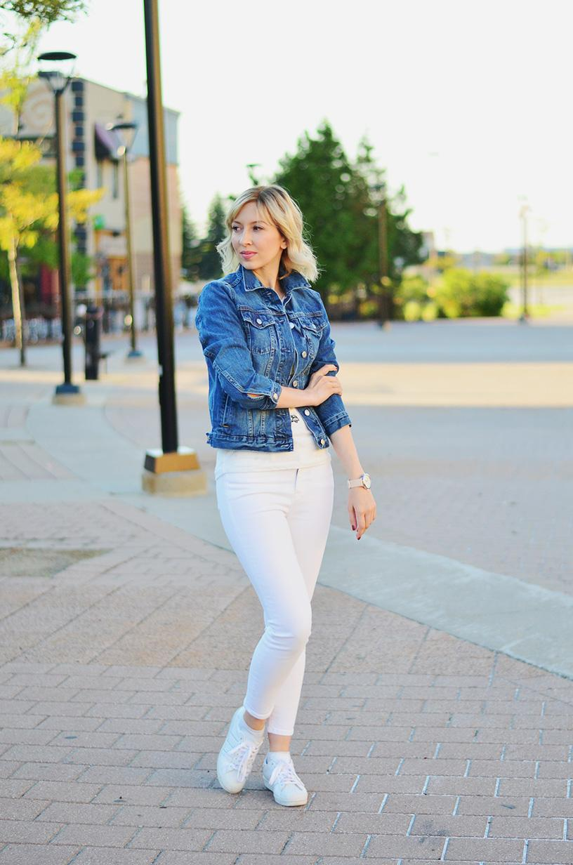Denim Jacket & White Pants Style | Stripes 'n' Vibes