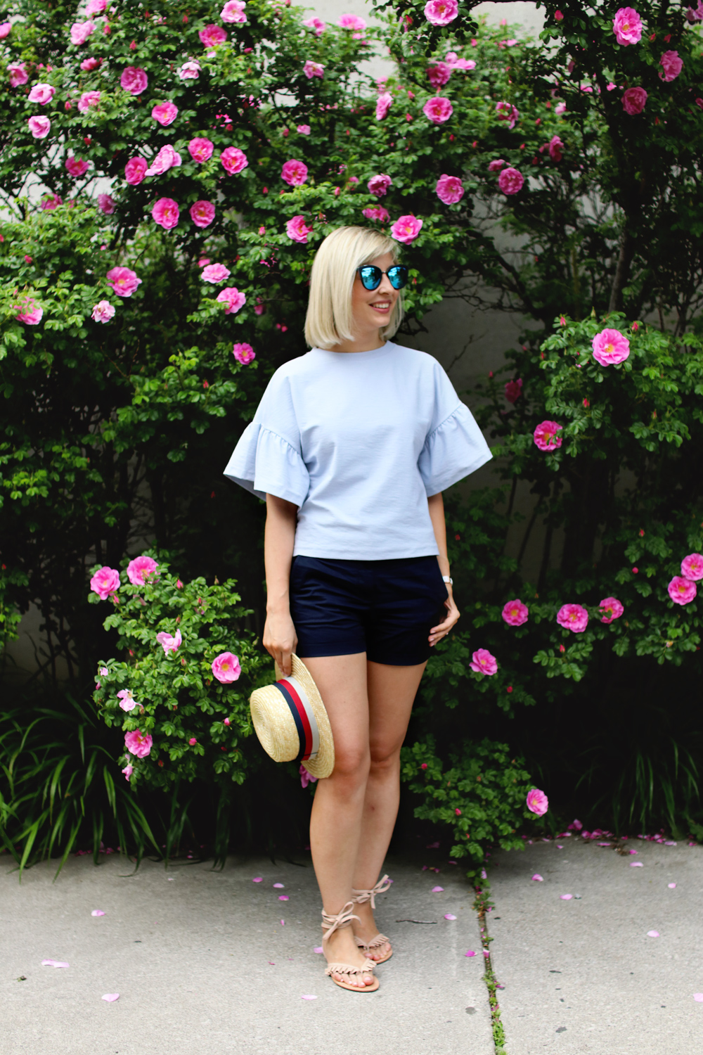 boater hat & flounced sleeve top