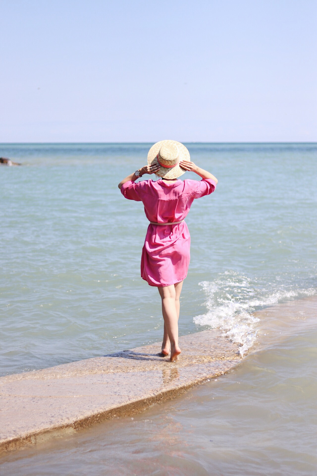 boater hat and shirt dress