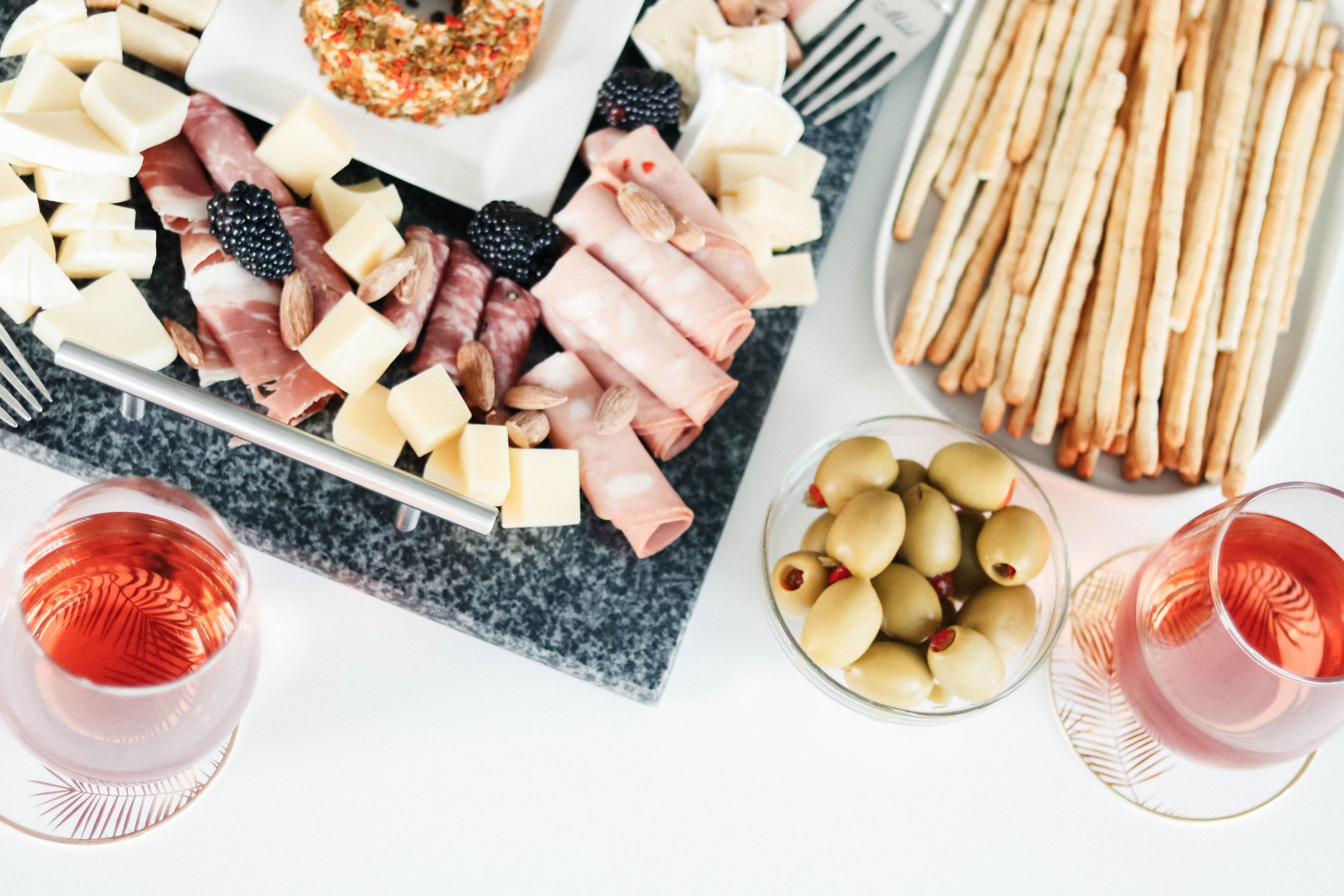 instagrammable cheese and meat board styling ideas 2