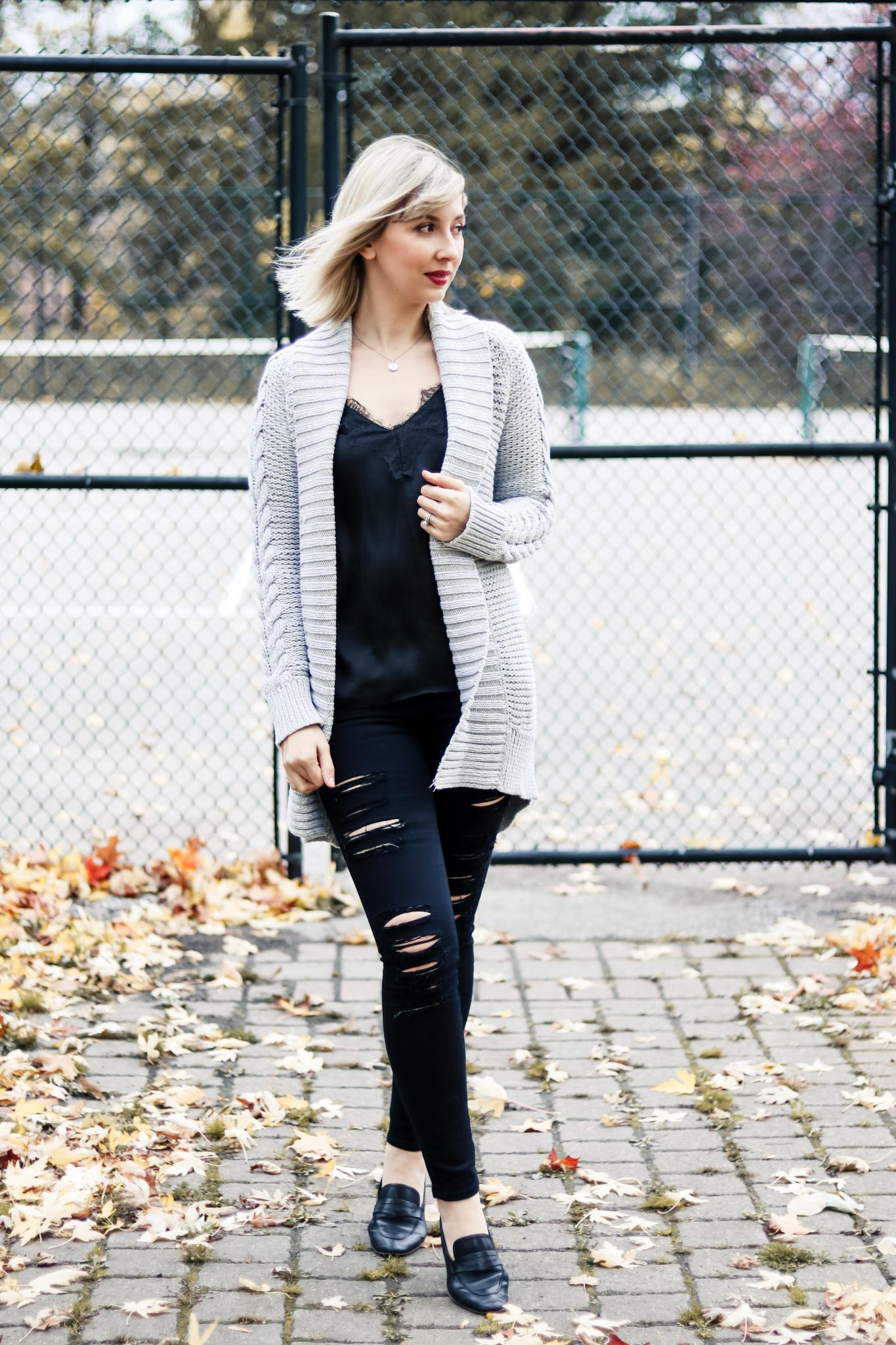 7 Style Tips on How to Wear Chunky Knit Cardigan 3