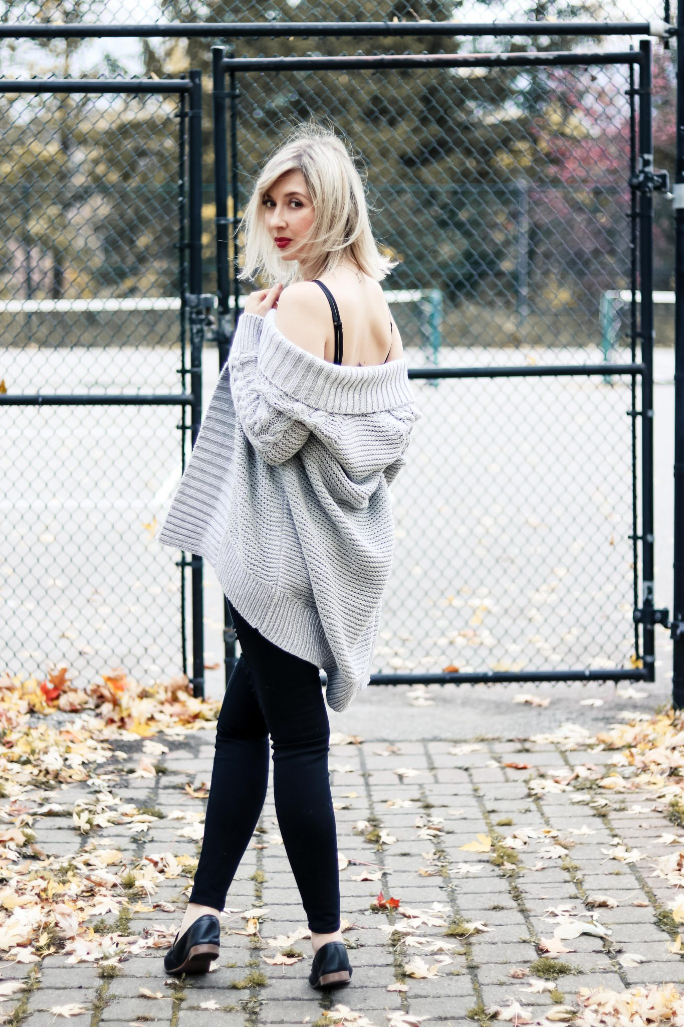 7 Style Tips on How to Wear Chunky Knit Cardigan 4