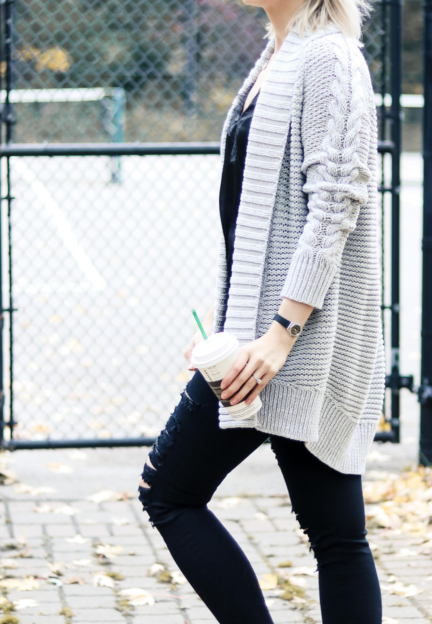 7 Style Tips on How to Wear Chunky Knit Cardigan 5