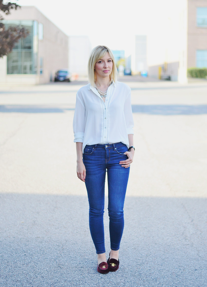 white blouse skinny jeans style