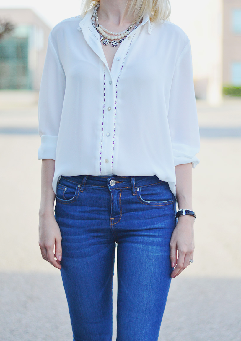 white blouse skinny jeans style 2