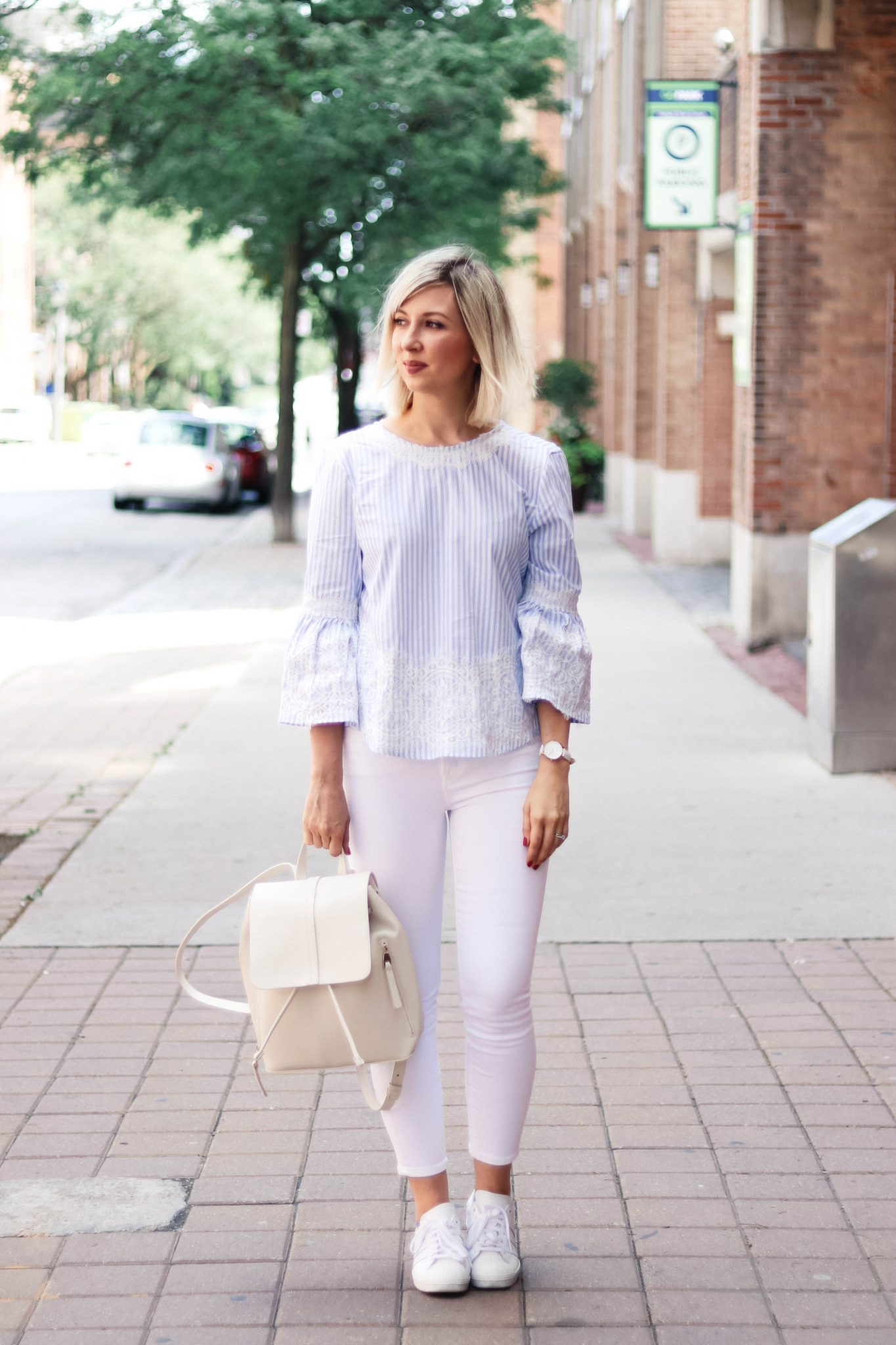 bell sleeve top white jeans ootd