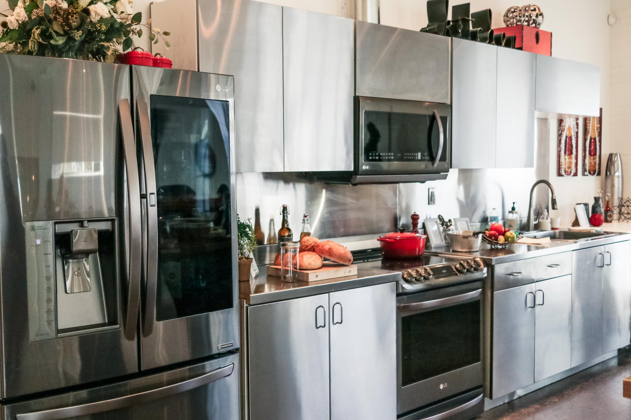black appliances kitchen ideas lg black stainless steel appliances line launch lg 16405