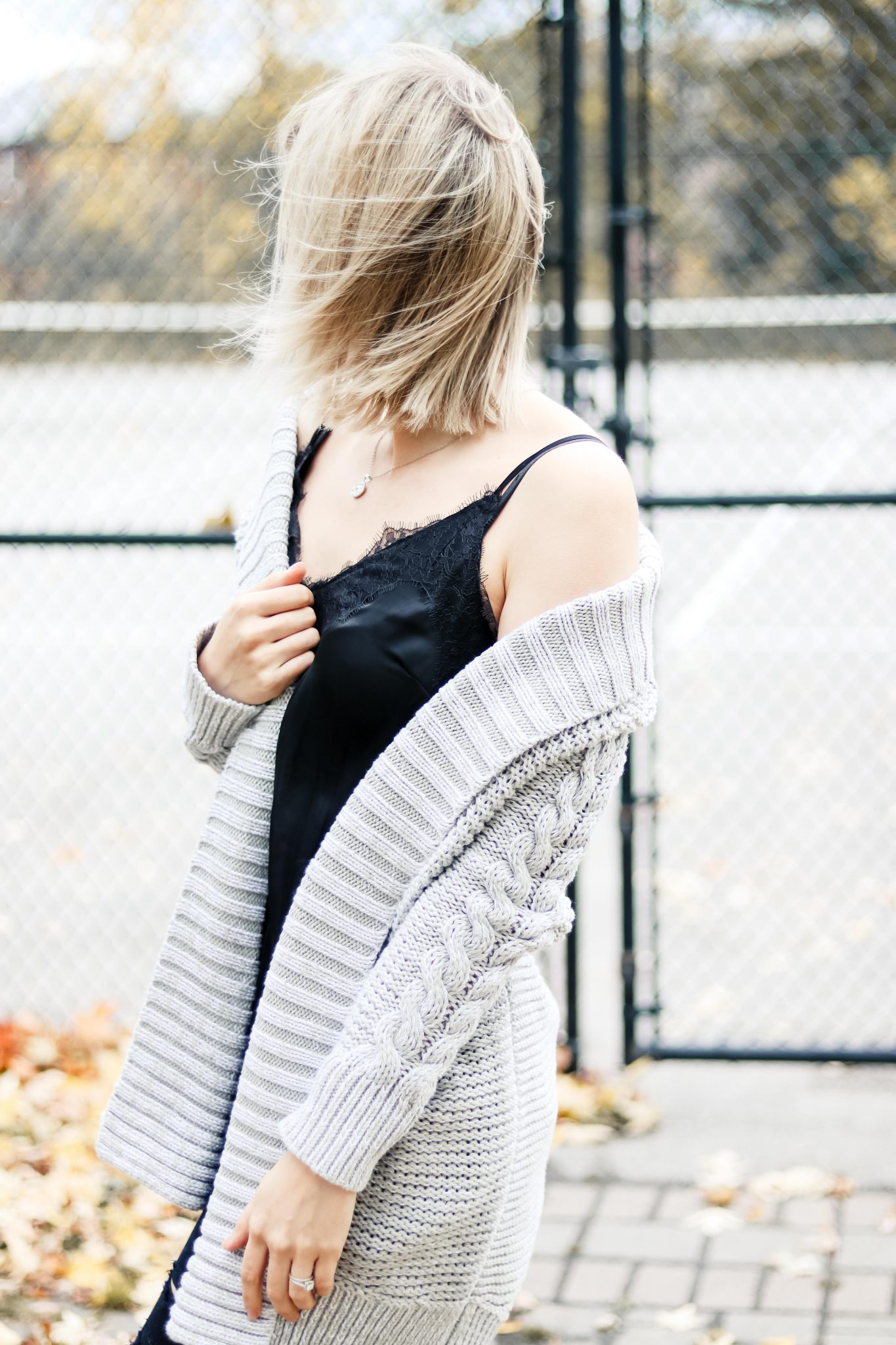 7 Style Tips on How to Wear Chunky Knit Cardigan 1