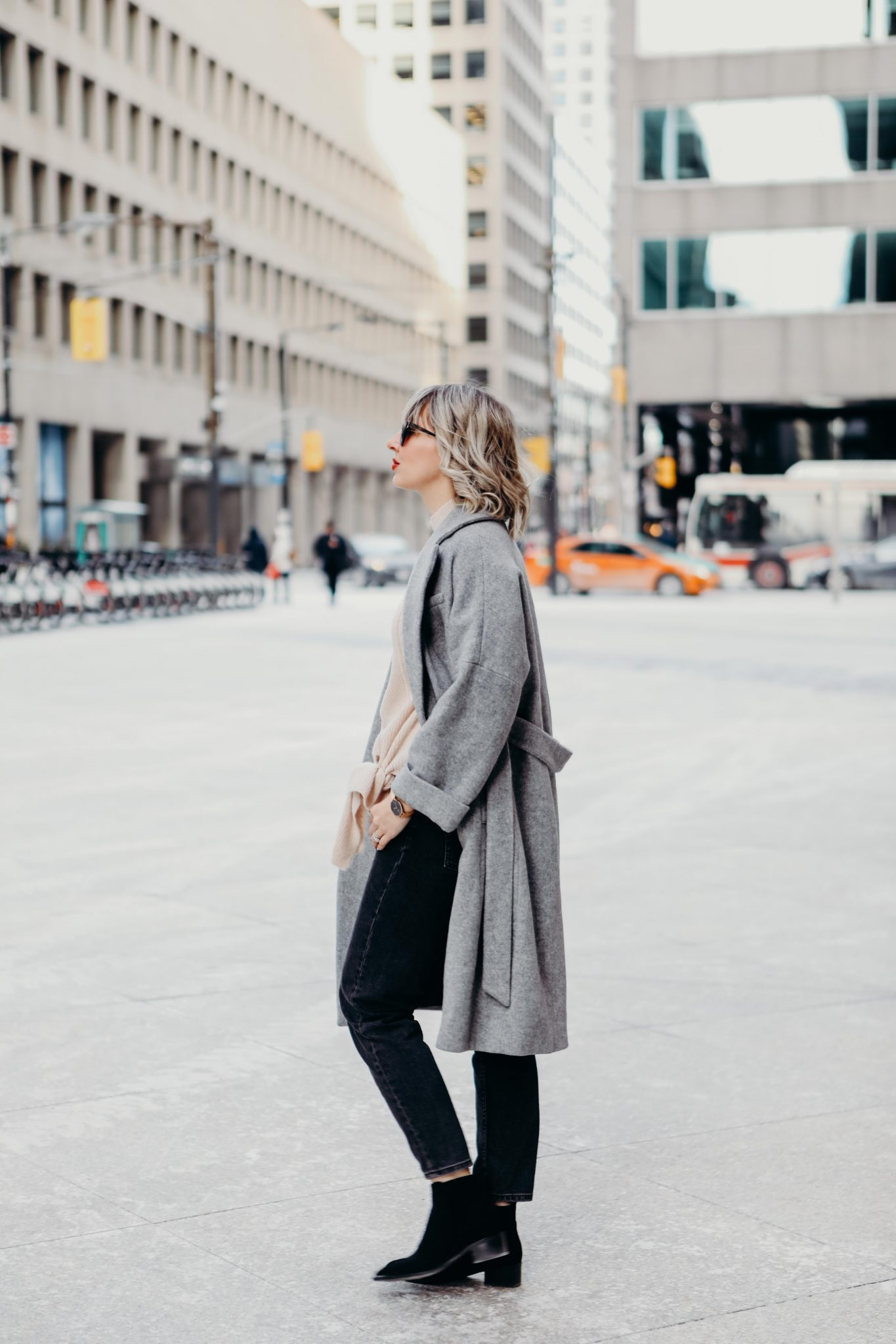 long coat style in the city (2 of 7)