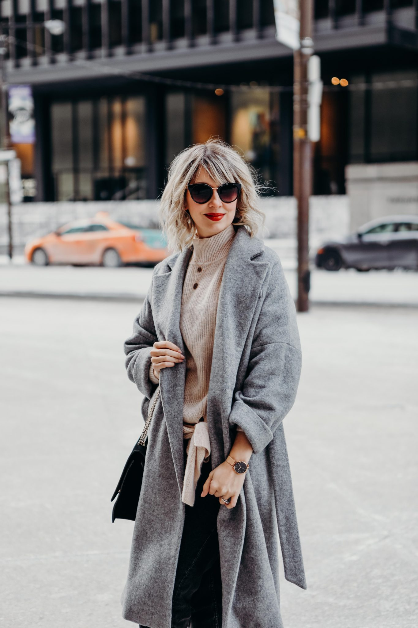 long coat style in the city (3 of 7)