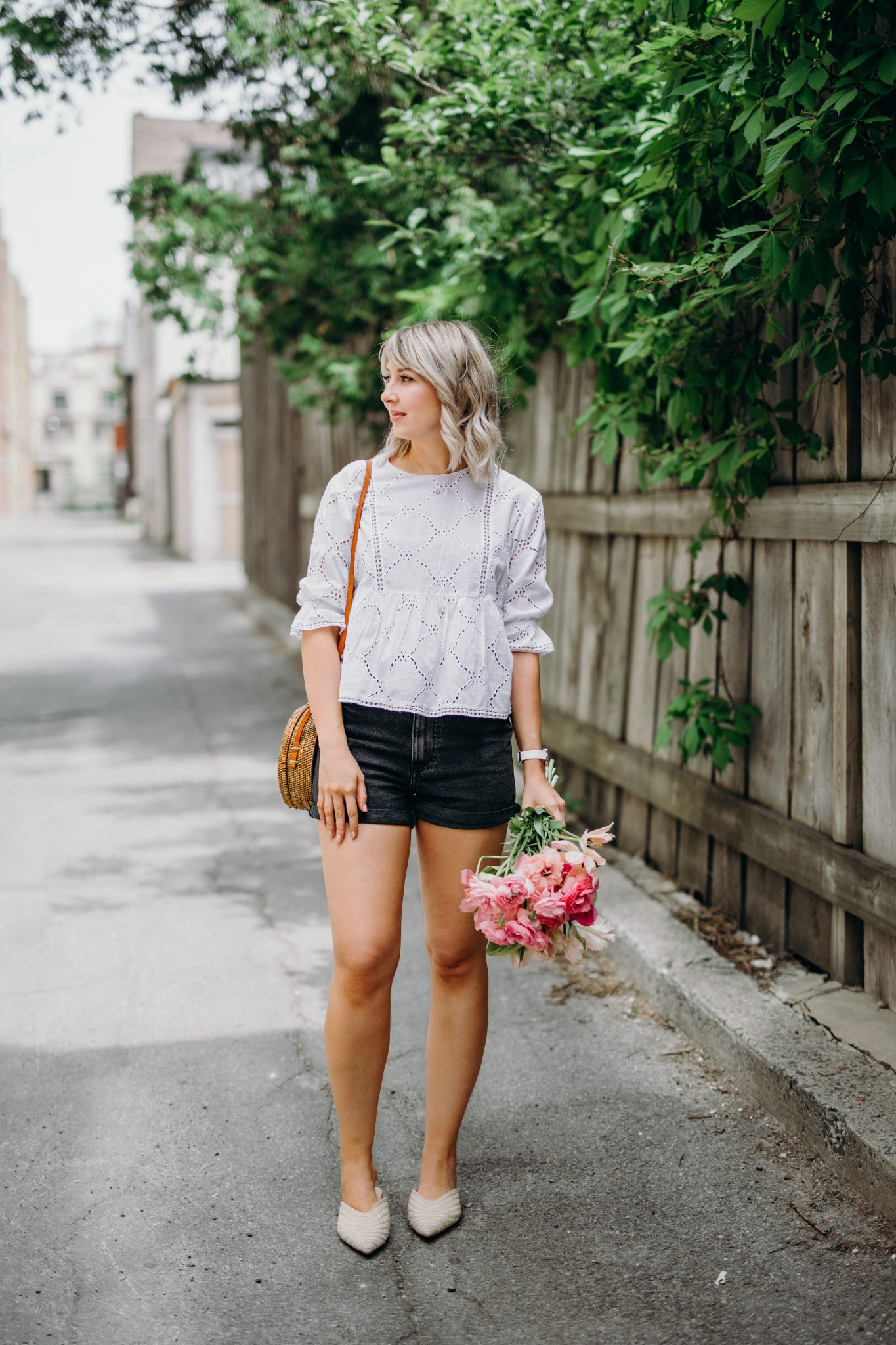 eyelet top, mom jeans and round straw bag style (1 of 14)
