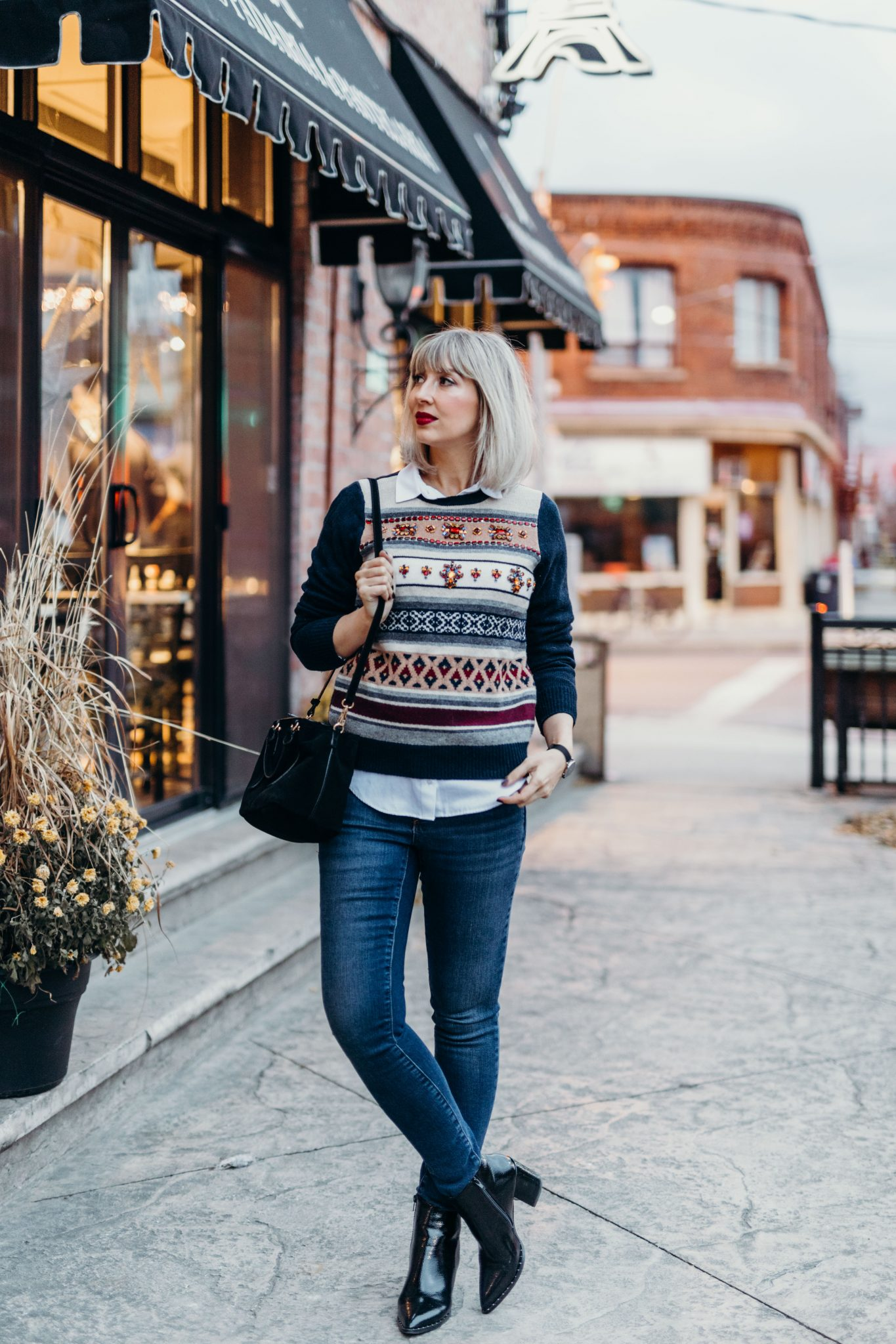 Christmas embellished sweater city street style (2 of 11)