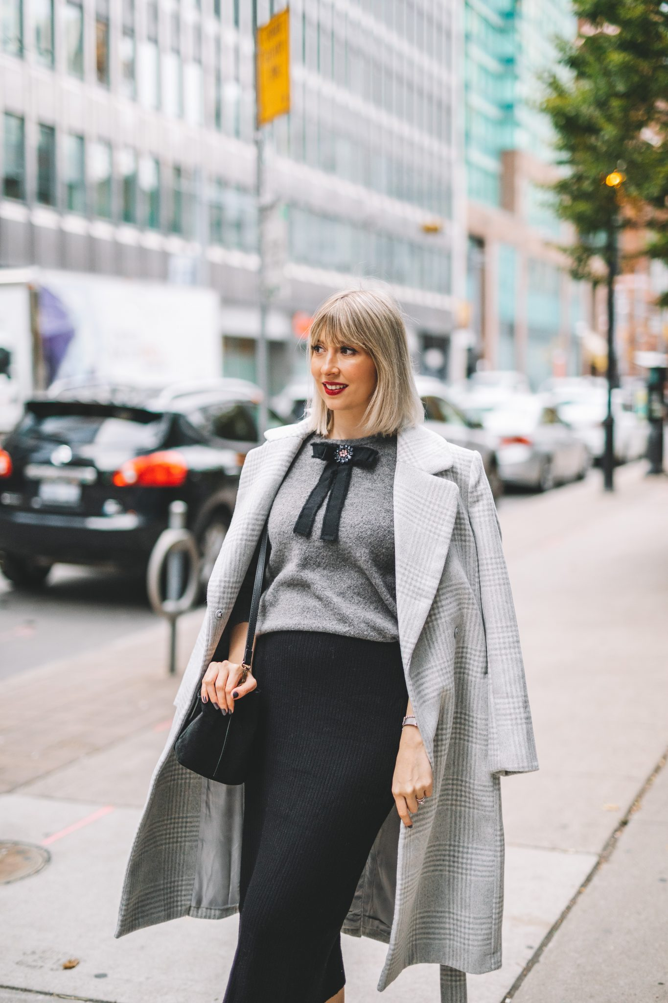 winter coat bow sweater street style (7 of 14)