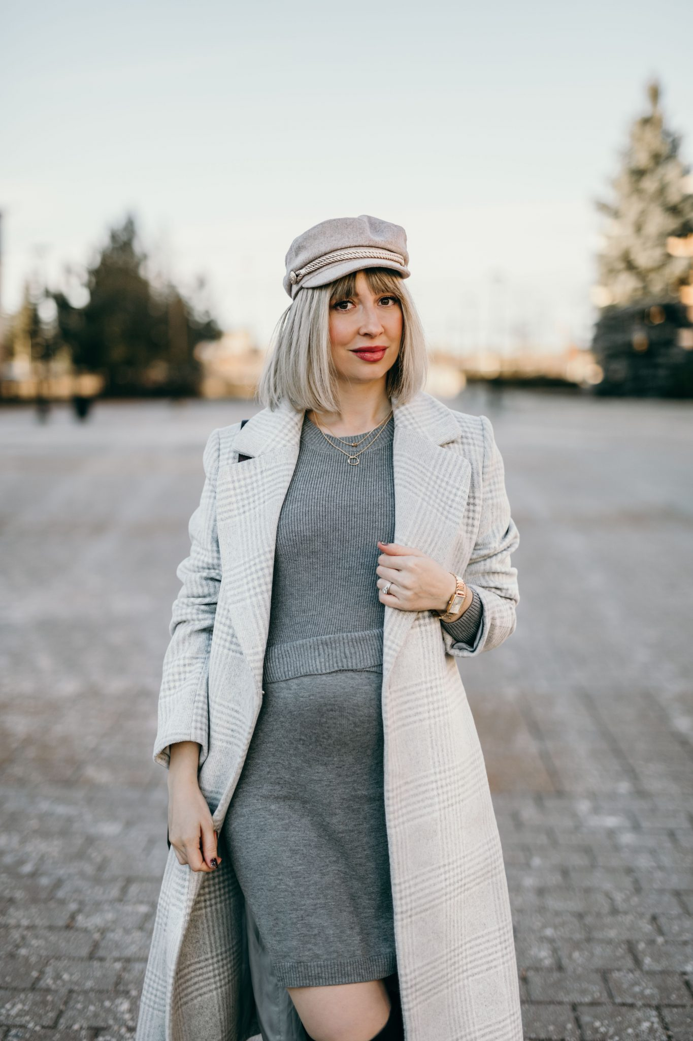 Winter Pregnancy Outfit wool coat & knit dress 4