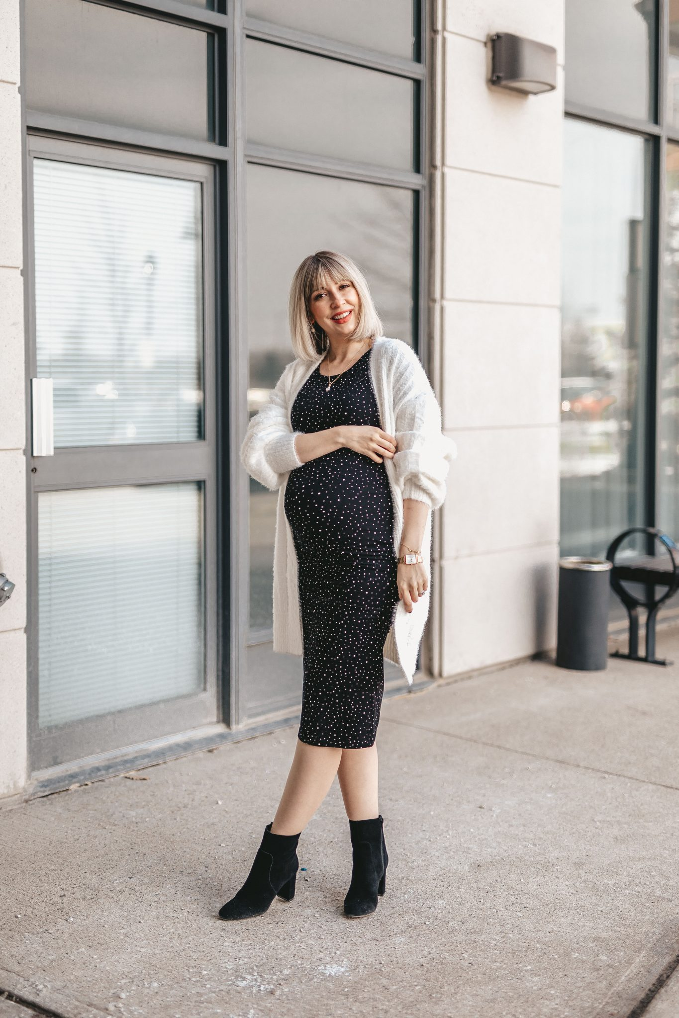 Maternity shirt dress street style NE (6 of 7)