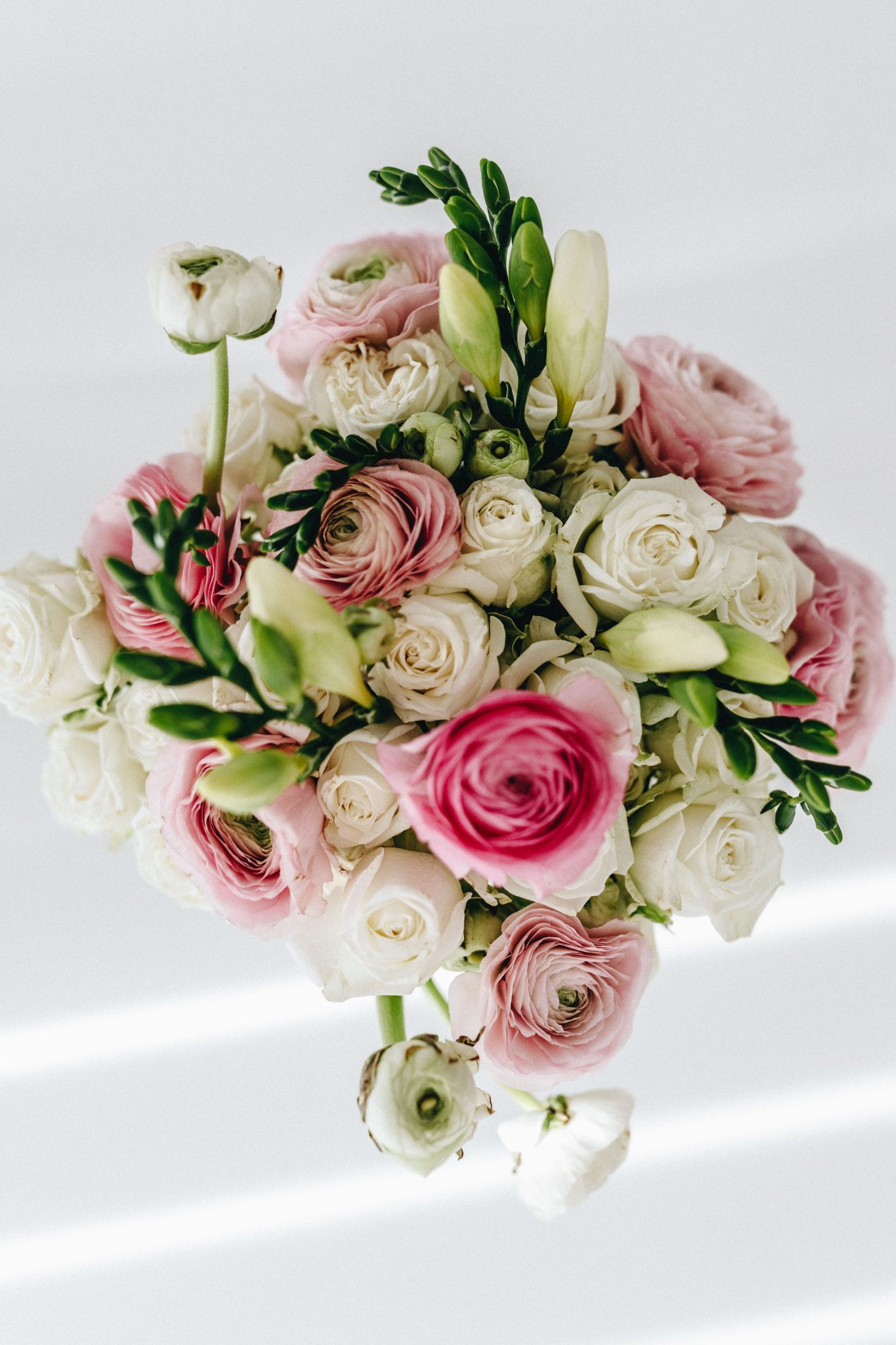 ranunculus & roses bouquet stripesnvibes (1 of 3)