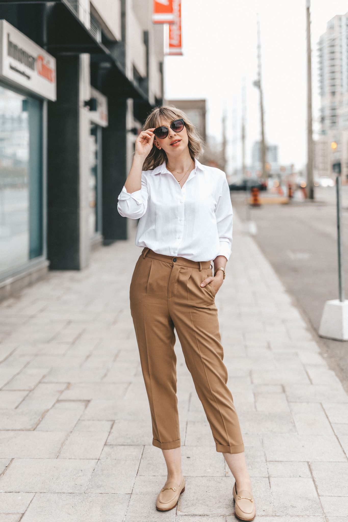 white blouse & cotton pants neutral street style (1 of 10)