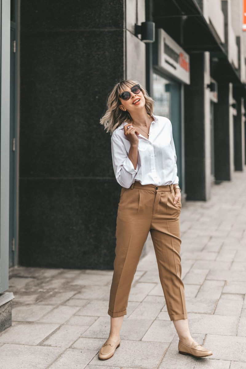 white blouse & cotton pants neutral street style (6 of 10)