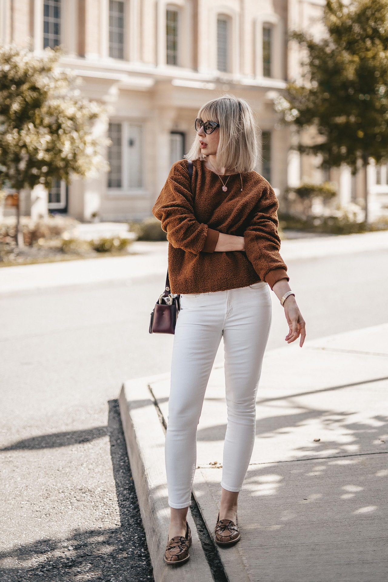 fleece sweater & white jeans (3 of 7)